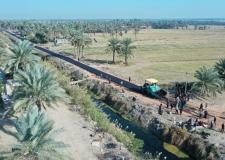 المحافظ يشرف على مشروع تعبيد شوارع تصل الى ابعد نقطة ادارية بين النجف وبابل.