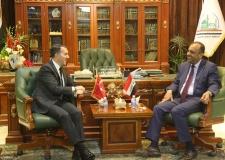 المحافظ يستقبل السفير التركي في العراق