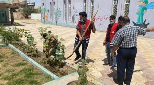 شعبة الحدائق المدرسية وبالتعاون مع الهلال الاحمر تنجز زراعة ١١ حديقة مدرسية