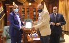 المحافظ يستقبل مدير مكتب كربلاء و الفرات الاوسط لشبكة العيادات القانونية في العراق لمناقشة التعاون المشترك