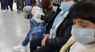 لجنة رعاية الطفولة في النجف تتبرع بمواد طبية لمواجهة كورونا