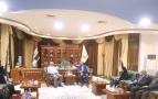 المحافظ يستقبل في مكتبه وفد منظمة نداء جنيف الدولية